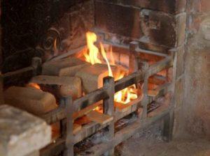 Отопление брикетами, какой расход
